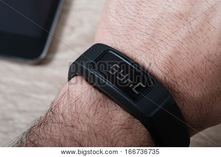 Sports Activity Tracker Wristband with Simulated Syncing to mobile device