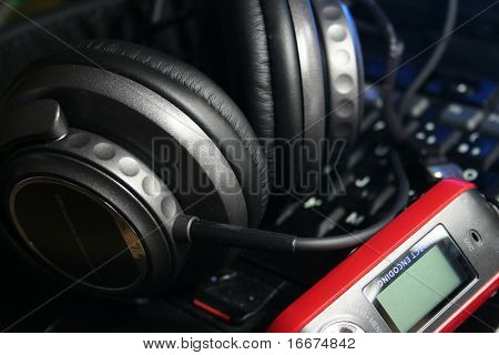 mp3 player with headphones