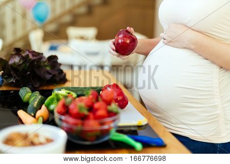 Pregnant Woman Healthy Diet