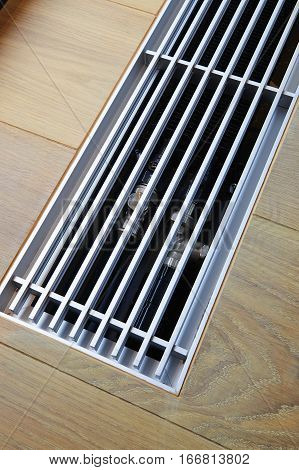 Heating Grid With Ventilation By The Floor.