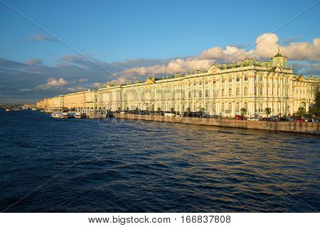SAINT PETERSBURG, RUSSIA - AUGUST 09, 2016: Winter Palace and Palace embankment of the August evening