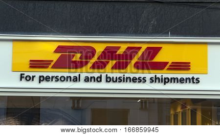 Dhl For Personel And Business Shipments