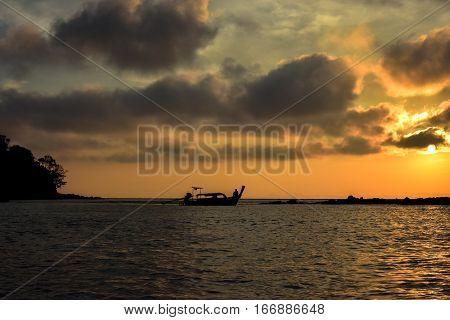 Fishman in the Sunrise in Phi Phi Island - (Thailand /January 2017)