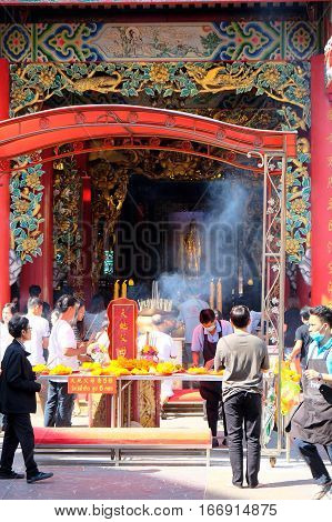 CHINATOWN, BANGKOK, THAILAND - JANUARY 2, 2017 : Kuan Yim Shrine at Yaowarat Road,Ong Guan Yin Art of Tang It was brought from China about 2501 years for people to worship.