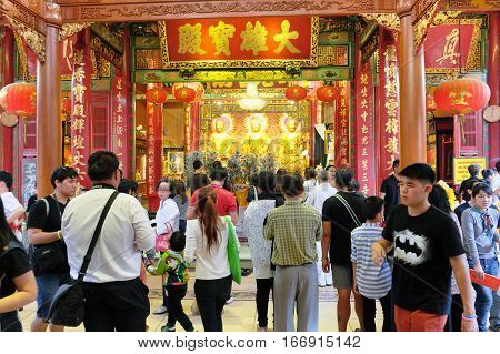 CHINATOWN, BANGKOK, THAILAND - JANUARY 2, 2017: Wat Mangkorn Kammalawas (Leng Nuei Yee) a famous temple in Bangkok. Thailand is popular among the Chinese. Chinese and foreign Come and worship.