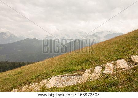 Tatry, schody na szlaku prowadz