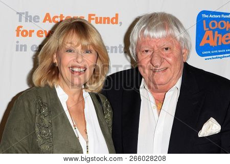 LOS ANGELES - OCT 28: Ilene Graff, Ben Lanzarone at The Actors Fund's 2018 Looking Ahead Awards at the Taglyan Complex on October, 2018 in Los Angeles, California