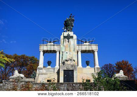 Drobeta Turnu Severin, Romania - 10.08.2018: Monument Of Heroes Landmark Rear