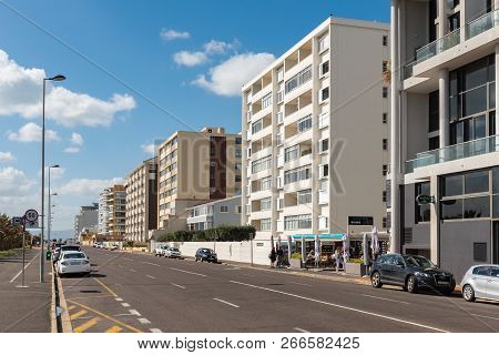 Cape Town, South Africa, August 17, 2018: A Street Scene At Mouille Point In Cape Town In The Wester