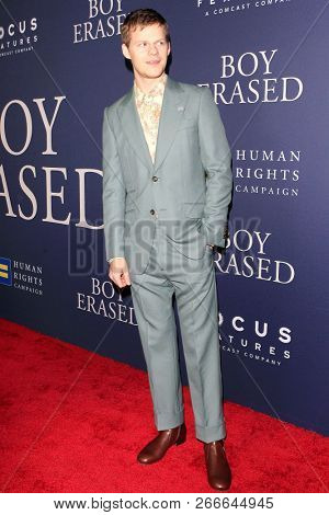 WEST HOLLYWOOD - OCT 29: Lucas Hedg arriving at the Premiere of Boy Erased at the Directors Guild of America on October 29, 2016 in West Hollywood, California