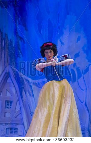 Pretty Snow White