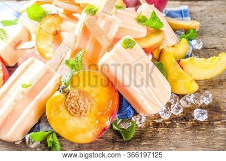 Homemade Peach Popsicles