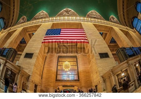 New York, Usa - March 7, 2020: Interior Of Grand Central Terminal,  Located At 42nd Street And Park