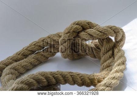 A Detailed Snapshot Of A Knotted Knot.