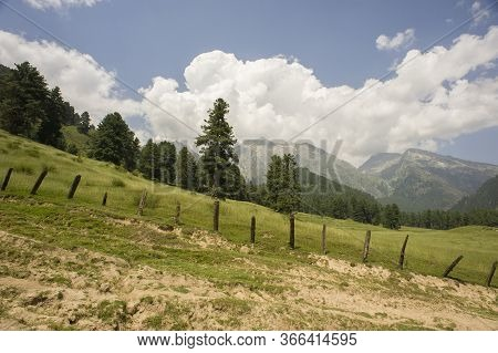 Pahalgam, Jammu And Kashmir, India - August 01, 2011: Landscape Of Dazzling Nature Of Aru Valley In