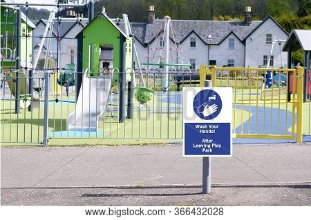 Use Hand Sanitiser After Using Play Park Sign