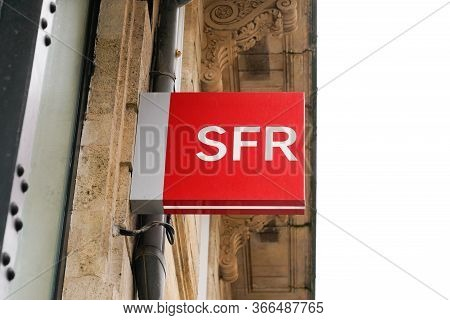 Bordeaux , Aquitaine / France - 05 12 2020 : Sfr Store Logo Sign French Phone Operator Shop Cell Pho