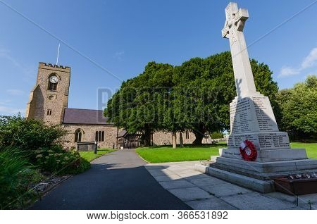 Abergele, Uk: Aug 19, 2019: Abergele War Memorial In The Grounds Of St Michael's Church, Commemorate