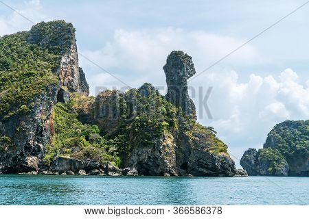 Koh Kai, Chicken Island Near Railay Beach In Krabi Province In The Andaman Sea In South Thailand,  O