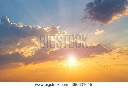 Twilight Sky Background. Colorful Sunset Sky And Cloud.vivid Sky In Twilight Time Background.fiery O