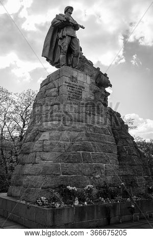 Seelow, Germany - May 09, 2020: Monument To Soviet Soldiers At The Site Of The Battle Of The Seelow