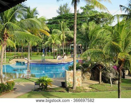 Relaxing Peaceful Tropical Hotel Resort Swimming Pool