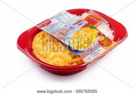 Chonburi, Thailand-may 15, 2020 : Shrimp Omelette With Rice In Plastic Box Food Package And Chilli S