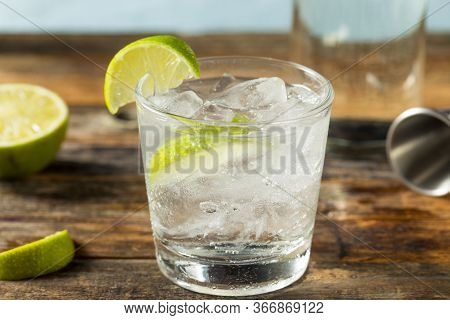 Refreshing Boozy Gin And Tonic