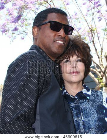 LOS ANGELES - MAY 31:  Kenny Edmonds, Carole Bayer Sager at the David Foster Hollywood Walk of Fame Star Ceremony at the Capital Records Building on May 31, 2013 in Los Angeles, CA