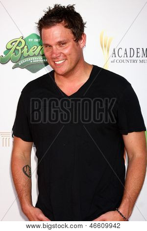 LOS ANGELES - JUN 8:  Bob Guiney at the 2nd Annual T.H.E EVENT at the Calabasas Tennis and Swim Center on June 8, 2013 in Calabasas, CA