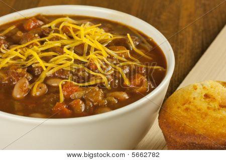 Bowl Of Chili With Cornbread