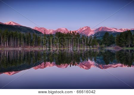 sunrise at Sprague lake, Rocky Mountain National Park, Colorado, USA