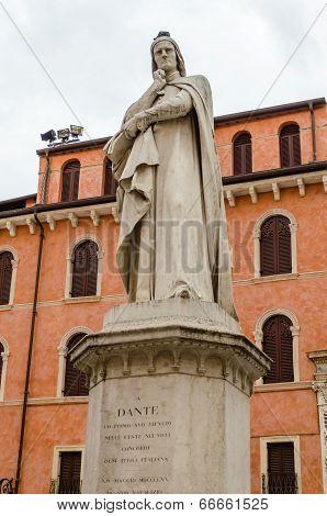 Dante Alighieri Statue, Verona