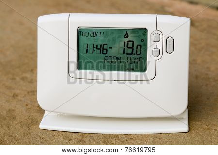 Programmable Central Heating Thermostat Will Reduce Energy Costs.