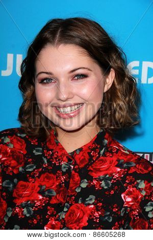 LOS ANGELES - MAR 26:  Sammi Hanratty at the Just Jared's Throwback Thursday Party at the Moonlight Rollerway on March 26, 2015 in Glendale, CA