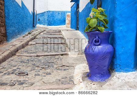 Big Violet Flower Jar