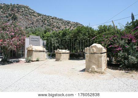 Турция город Мира  Myra склеп древние могилы солнечный день