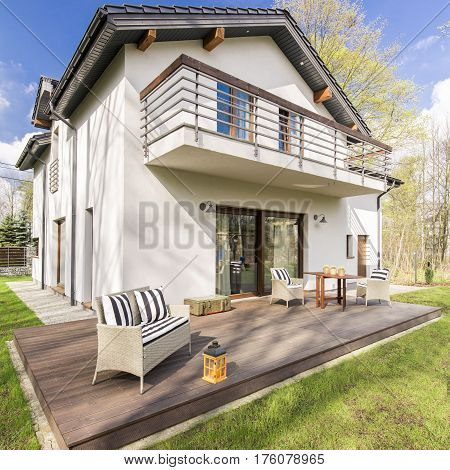 Modern Detached House With Tarrace