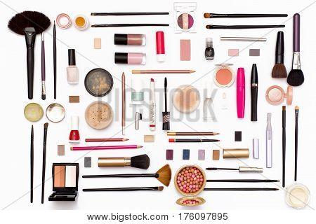 Cosmetic Makeup Brush, Nail Polish, Face Powder, Eye Shadow, Lipstick, Mascara, Perfume, Trimer And