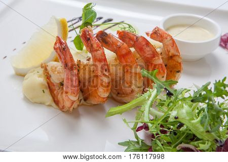 Fried Shrimps With Mashed Potatoes