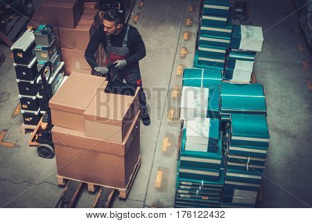 Storekeeper working in a warehouse.