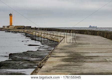 Breakwater Dam