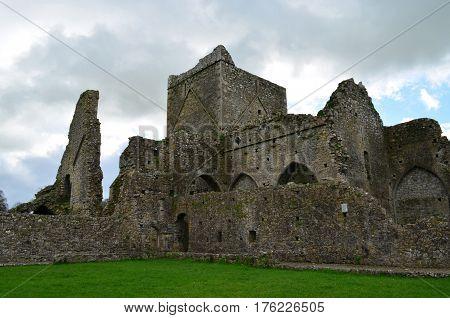 Scenic stone ruins of Hore Abbey in Ireland.