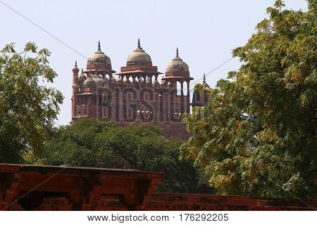 Fatehpur-Sikri was the capital of the Mughal Empire in India during the reign of Akbar I in 1571-1585.