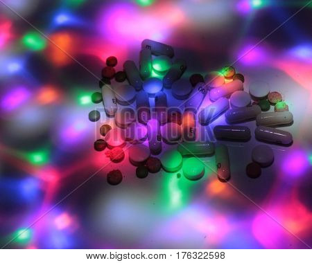 Drug dealing on disco / Pills on the disco.
