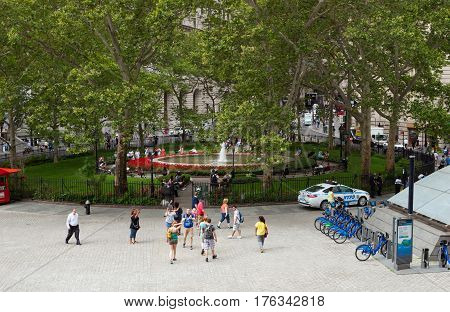 Fountain At Bowling Green Park In Lower Manhattan