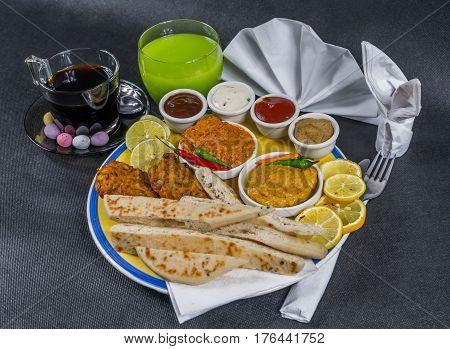 Oriental Indian Set, Chicken Korma, Chicken Tikka Masala, Naan Bread, Onion Bhaji, Plate, Coffee, Dr