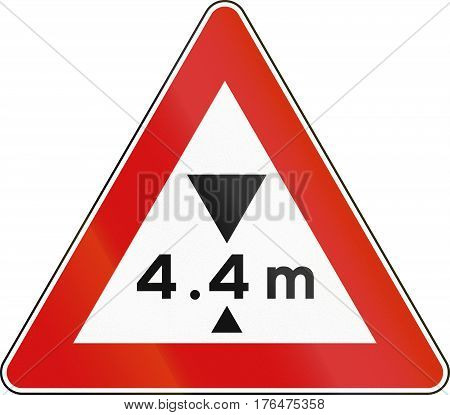 Road Sign Used In Italy - Maximum Height Allowed