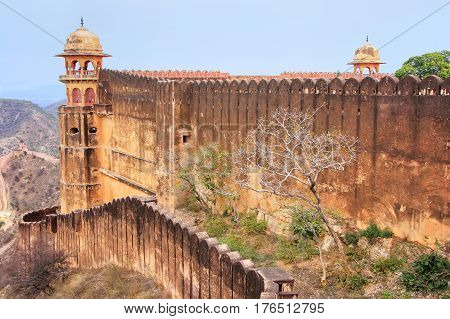 Defensive Wall Of Jaigarh Fort On The Top Of Hill Of Eagles Near Jaipur, Rajasthan, India