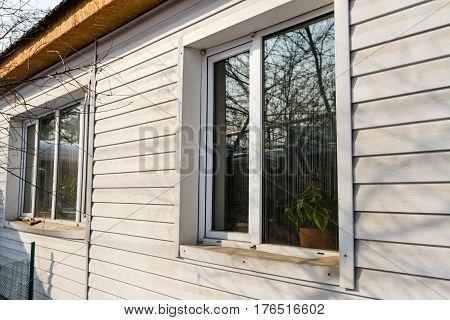 Windows Home Side